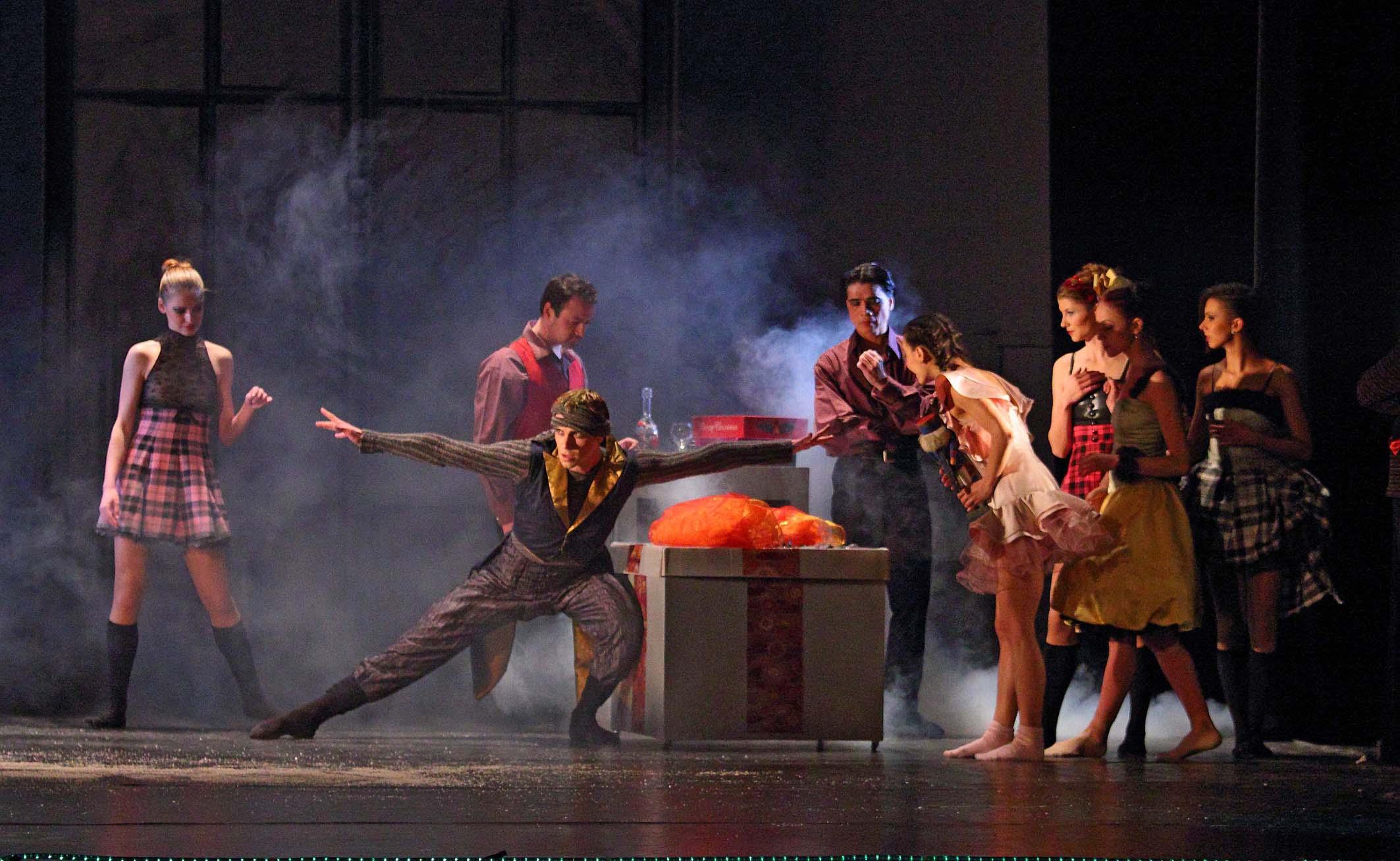 """Днес: балет """"АРАБЕСК"""" представя """"Лешникотрошачката"""" 141"""