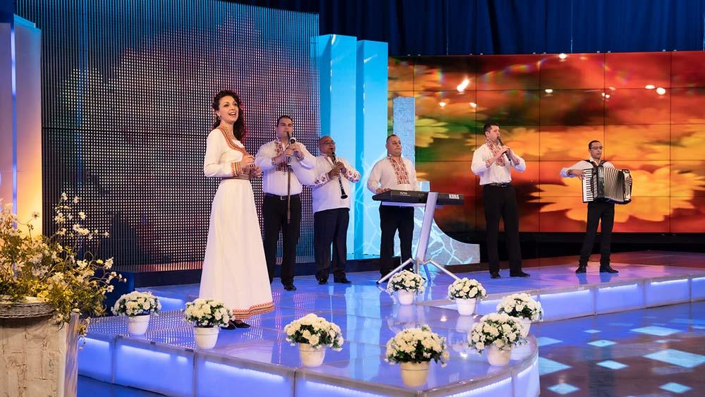 """Оркестър """"Емона"""" и Дафинка Дамянова гостуват в """"Иде нашенската музика"""" по БНТ 1 139"""