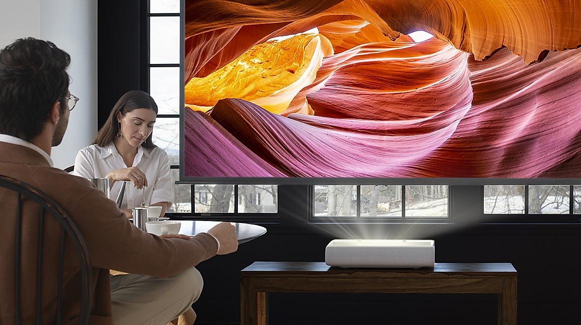Стартираха продажбите на новите 4К UHD проектори The Premiere 26