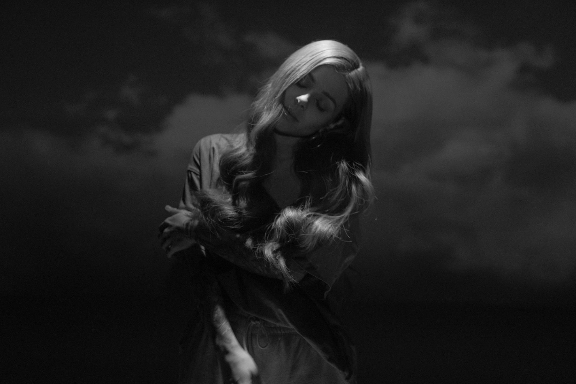 """Дебютният албум на Виктория """"А Little Dramatic"""" с международна дигитална премиера 139"""