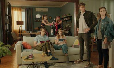 Елиза Андре Токева допълва семейството на Боби и Джаки в новото рекламно видео на Бяла Карта 275
