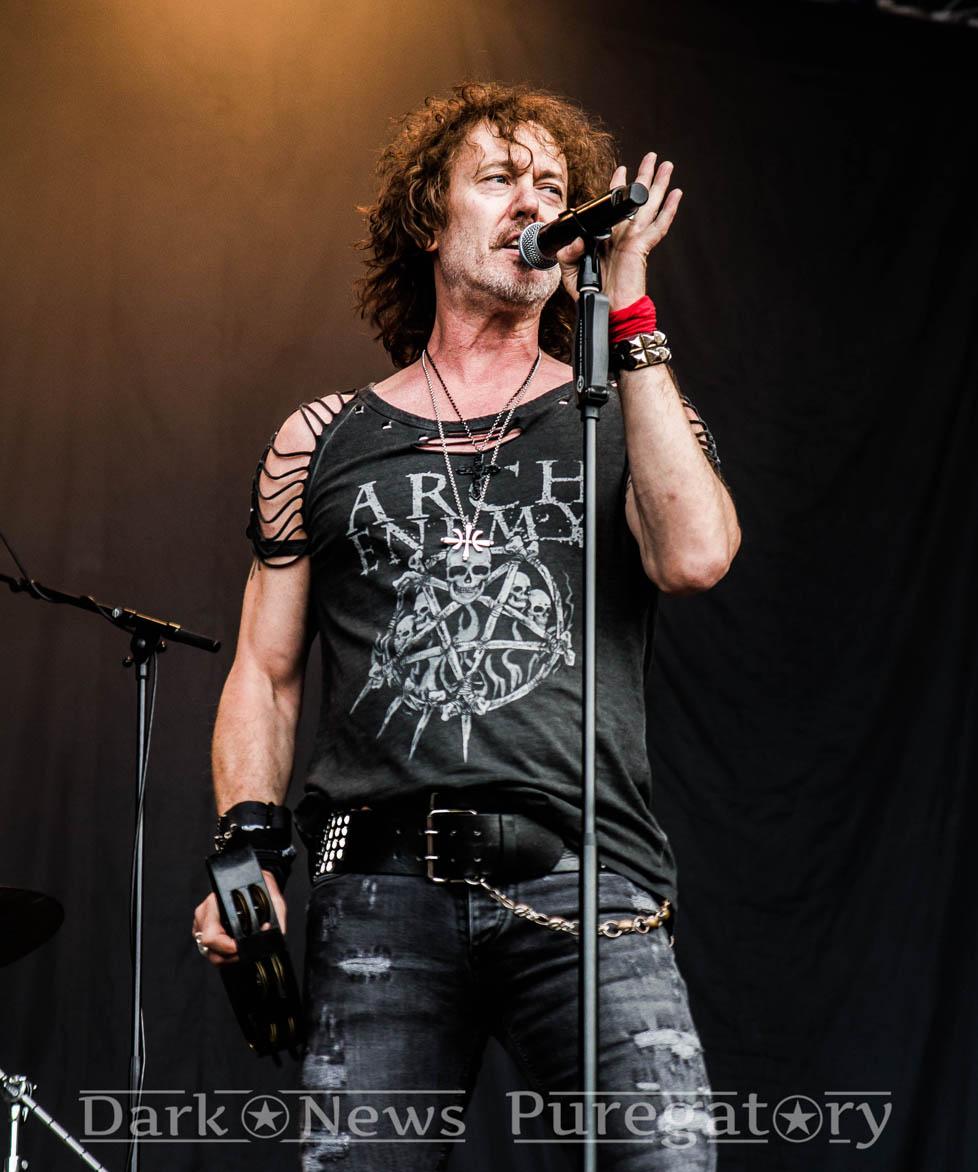 Вокалистът на Nazareth заема мястото на Джон Пейн на турнето на Intelligent Music Project 26