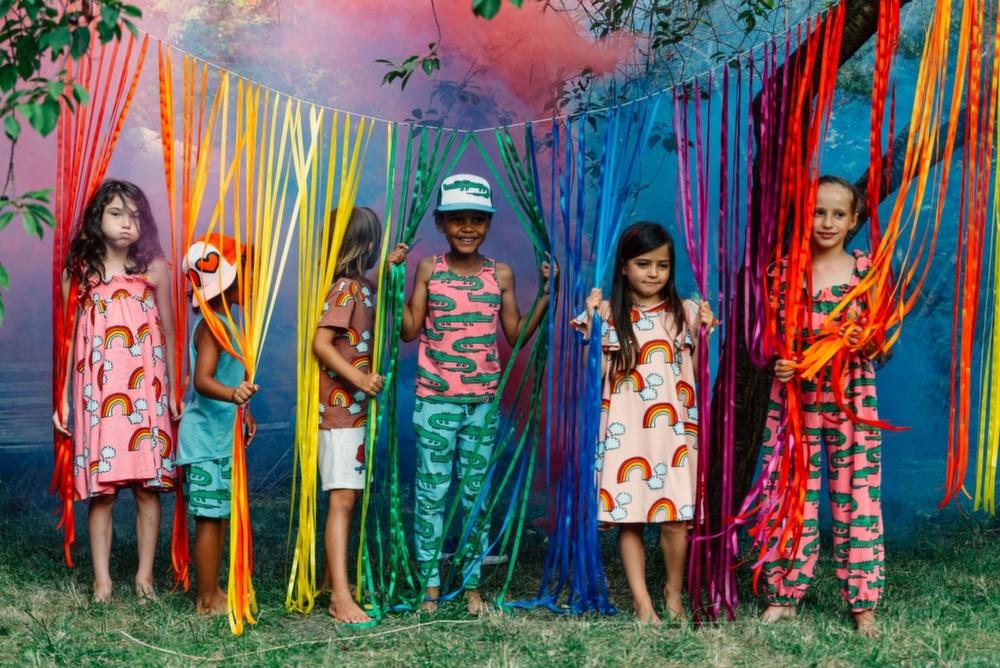 COZY CONFESSIONS е новото цветно приключение на Джули Лепоева 143