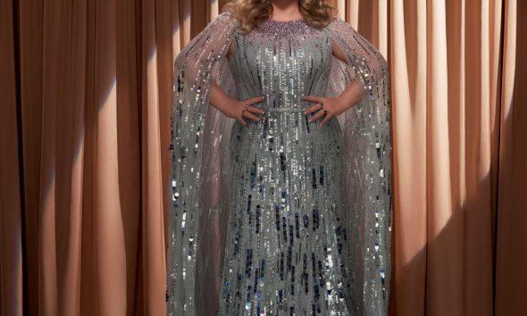 """Kelly Clarkson разкри новия си празничен сингъл """"Christmas Isn't Canceled (Just You)"""" 144"""